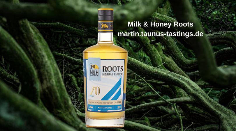 Eine Flasche Milk & Honey Roots mit Wurzeln im Hintergrund