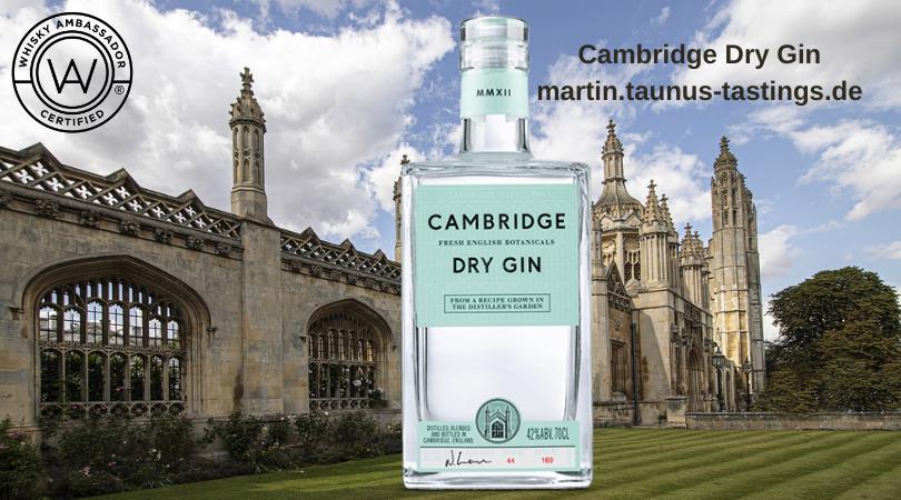 Eine Flasche Cambridge Dry Gin, mit einem Gebäude in Cambridge im Hintergrund