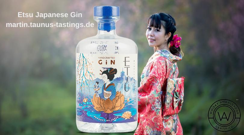 Eine Flasche Etsu Japanese Gin, im Hintergrund eine Geisha